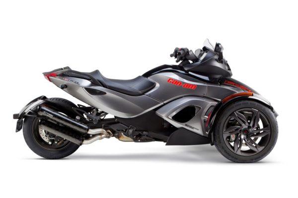 2013-CAN-SpyderRSS-BS-DSO-Side_HR_c68498cc-40c4-4108-a1c3-d24bc1c8c68a_1024x1024